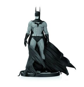 Batman Black & White Batman Statue - Michael Turner