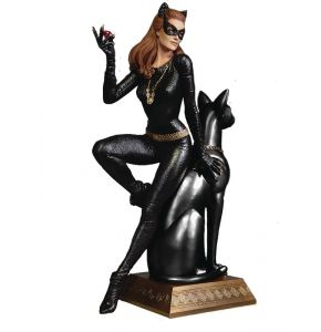 Batman 1966 Catwoman Ruby Edition Maquette