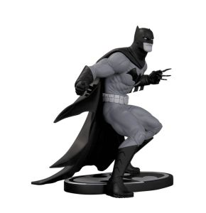 Batman Black & White Batman Statue - Greg Capullo