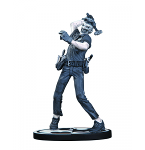 Batman Black & White Joker Statue by Greg Capullo