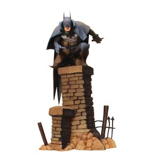 Batman Gotham by Gaslight ArtFX+ Batman Statue