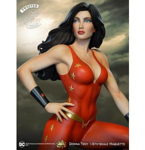 DC Super Powers Collector Dana Troy 13in Statue