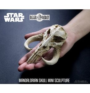 Star Wars Mandalorian Skull Mini Sculpture